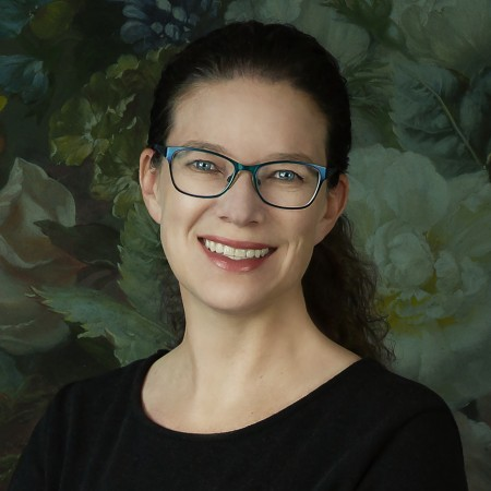 Alana Lee